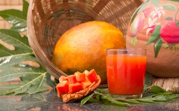 papaya fruit and juice